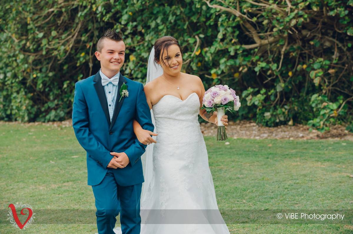 Wallarah Bay Recreation Club Wedding Photography (10)