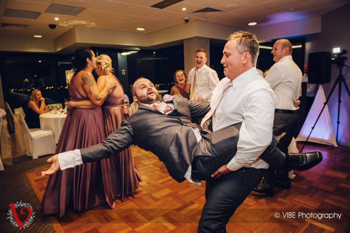 Wallarah Bay Recreation Club Wedding Photography (31)